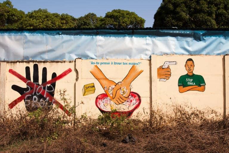 Message de prévention contre le virus d'Ebola, à Dubréka, en Guinée.