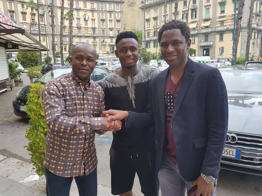 #Diawara, son agent et Amadou Diaby (vice-président de la Feguifoot) aujourd'hui en Italie. Naby Keita et Diawara au milieu de terrain