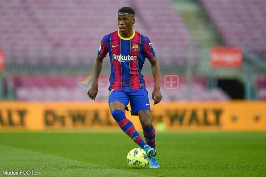 Ilaix Moriba sous le maillot du Barça