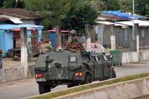 Les forces spéciales guinéennes détiennent le président Alpha Condé Crédit : CELLOU BINANI / AFP